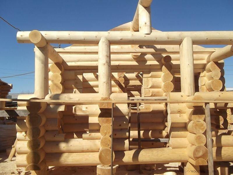 Дом из рубленного бревна ручной обработки